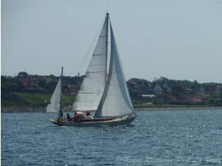 YACHT CLASSIQUE OLIN STEPHENS FINISTERRE DL