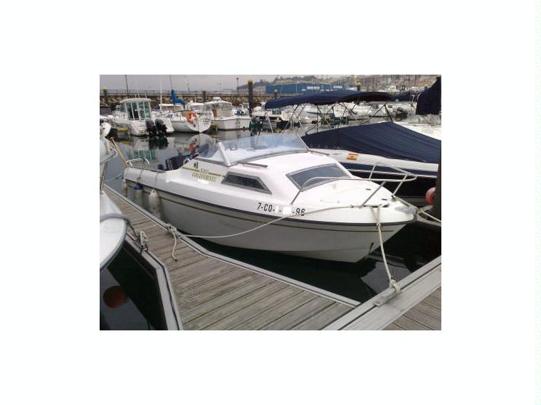 california 520 beneteau en la corogne bateaux moteur. Black Bedroom Furniture Sets. Home Design Ideas