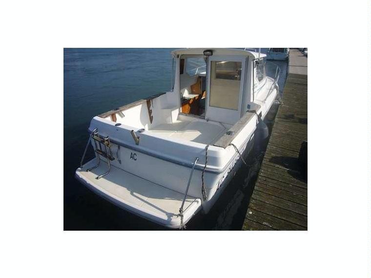 espace 625 en pyr n es atlantiques bateaux moteur d. Black Bedroom Furniture Sets. Home Design Ideas