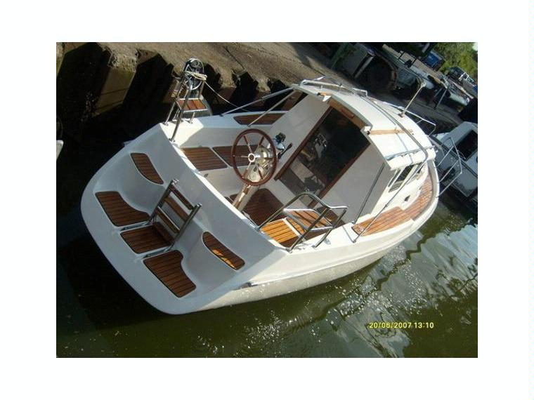 haber 800 m en allemagne bateaux moteur d 39 occasion 49541 inautia. Black Bedroom Furniture Sets. Home Design Ideas