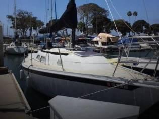 Ericson Yachts 28