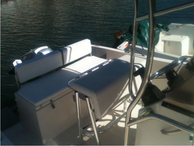 arc eyre 585 en finist re bateaux moteur d 39 occasion 66485 inautia. Black Bedroom Furniture Sets. Home Design Ideas