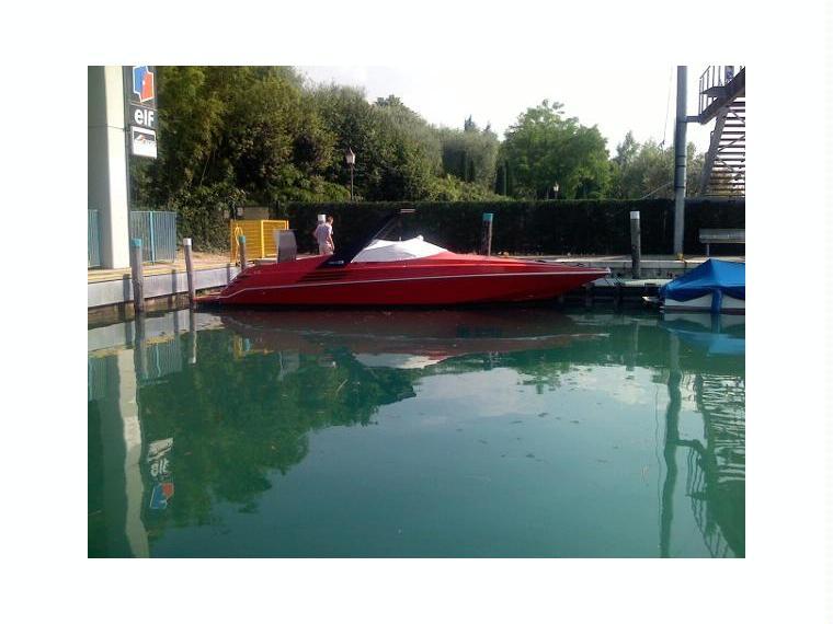riva 32 ferrari special en italie bateaux moteur d 39 occasion 25753 inautia. Black Bedroom Furniture Sets. Home Design Ideas