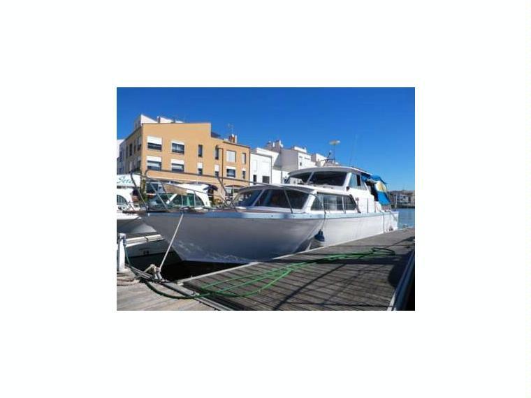 storebro royal cruiser iv en finist re bateaux moteur d 39 occasion 98534 inautia. Black Bedroom Furniture Sets. Home Design Ideas