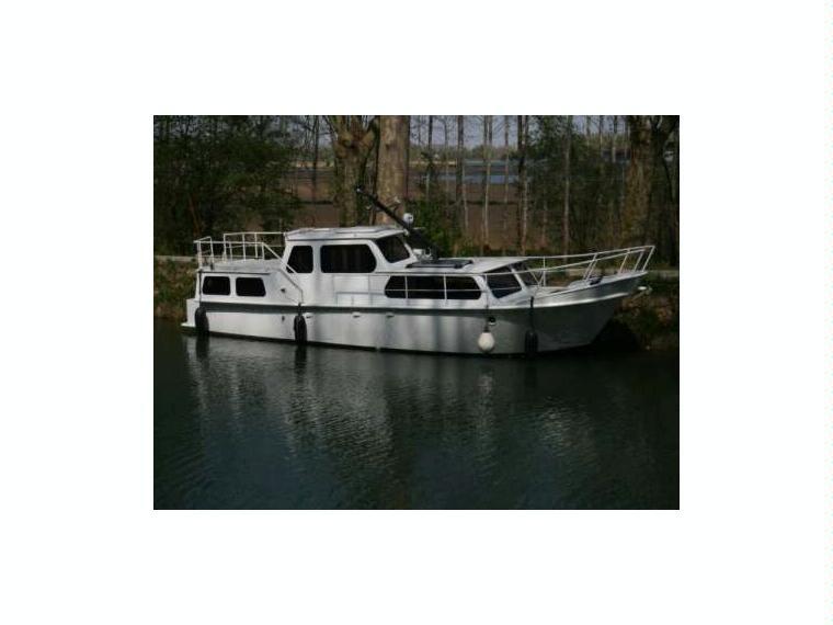 vedette hollandaise vechtkruiser 11m en finist re bateaux moteur d 39 occasion 00485 inautia. Black Bedroom Furniture Sets. Home Design Ideas