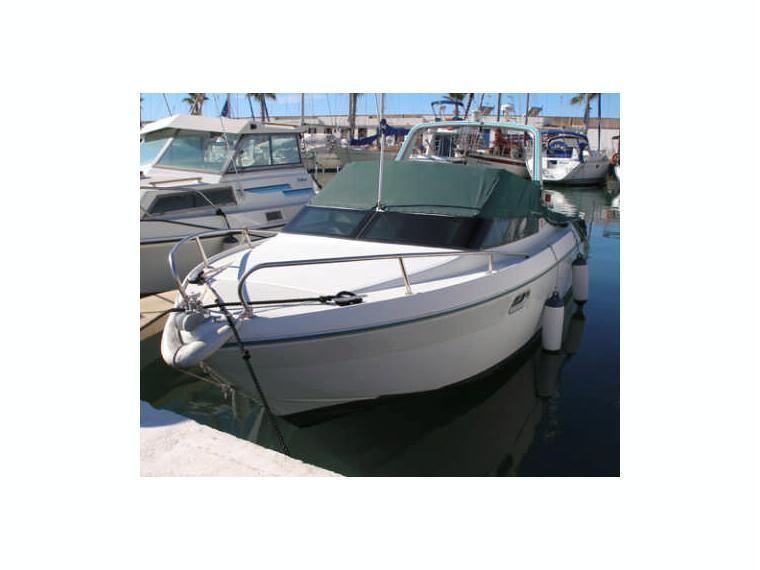 jeanneau leader 650 en barcelone bateaux moteur d 39 occasion 65566 inautia. Black Bedroom Furniture Sets. Home Design Ideas