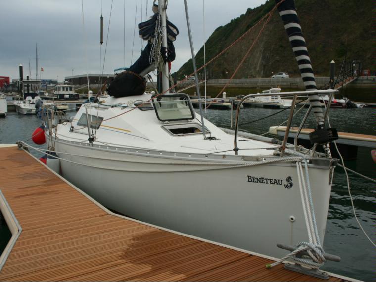 beneteau first 235 en puerto de orio