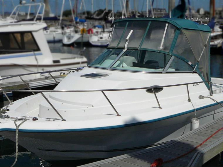 bateau a moteur sunbird
