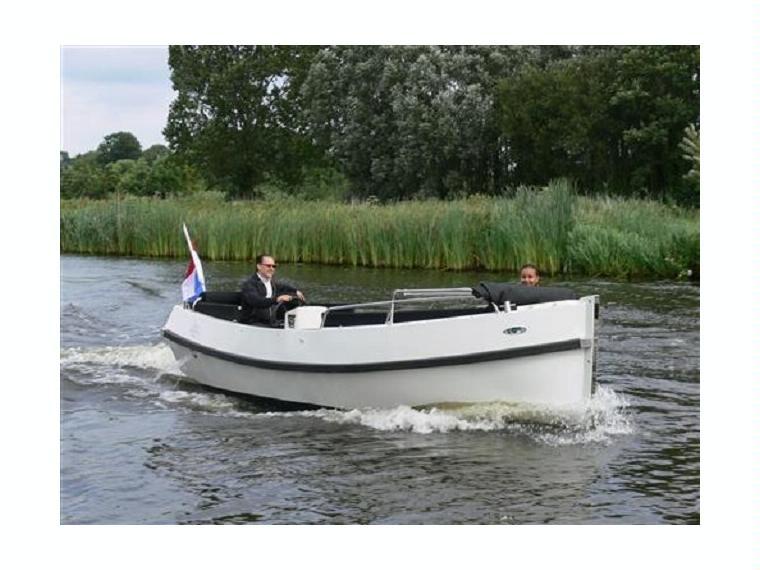 bull 60 inboard en zuid holland bateaux moteur d. Black Bedroom Furniture Sets. Home Design Ideas