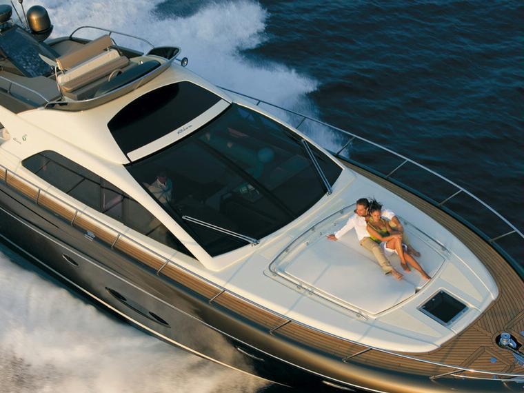 riva sportriva 56 en noord holland yacht moteur d 39 occasion 56546 inautia. Black Bedroom Furniture Sets. Home Design Ideas