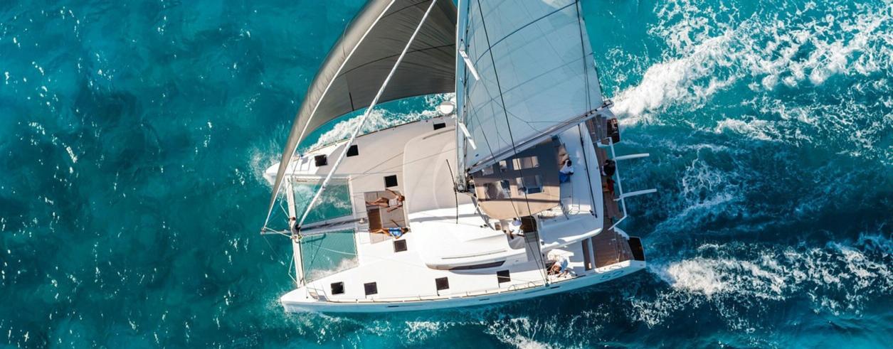Flash Action Yachting Photo 3