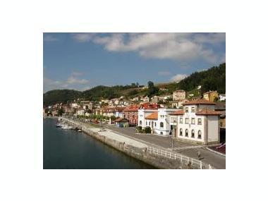 Puerto de San Esteban de Pravia Asturies