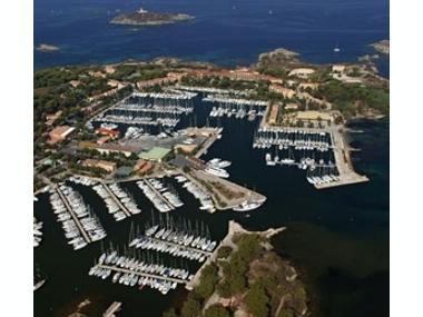 Port de Sain Pierre des Embiez Var