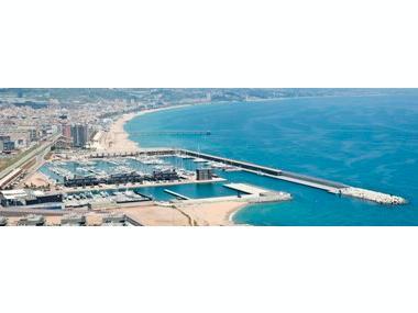 Marina badalona ports de plaisance en barcelone inautia - Port de plaisance barcelone ...
