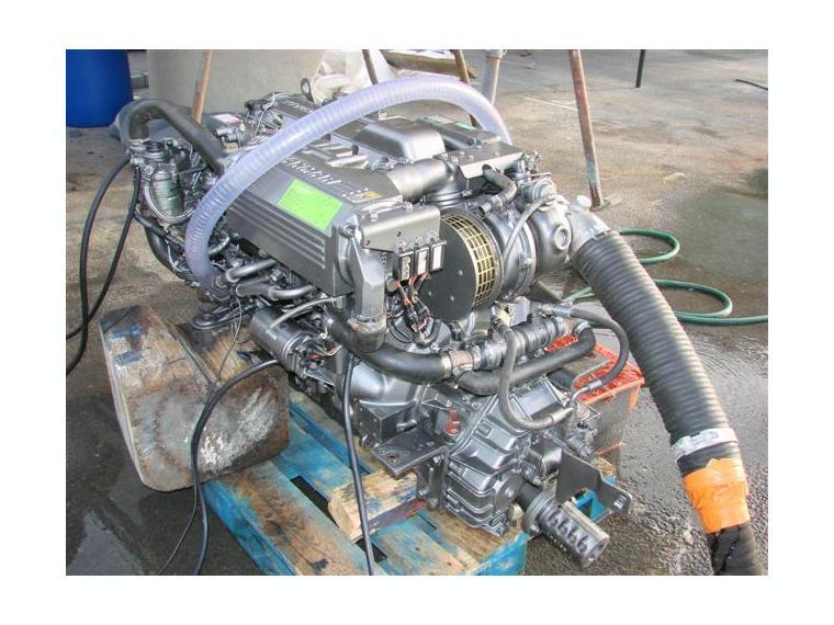moteur turbo diesel yanmar de 300cv avec inverseur zf 63a. Black Bedroom Furniture Sets. Home Design Ideas