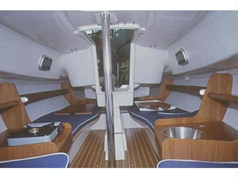 jeanneau sun 2000 en marina de formentera voiliers d 39 occasion 70575 inautia. Black Bedroom Furniture Sets. Home Design Ideas