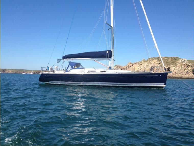 dufour yachts dufour 44 performance performance en port de crouesty voiliers d 39 occasion 51102. Black Bedroom Furniture Sets. Home Design Ideas