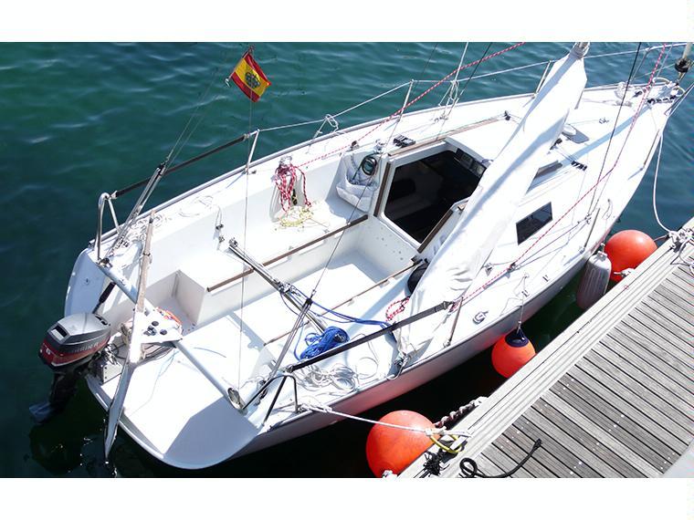 Beneteau first class 8 en marina badalona voiliers d for First class 8 interieur