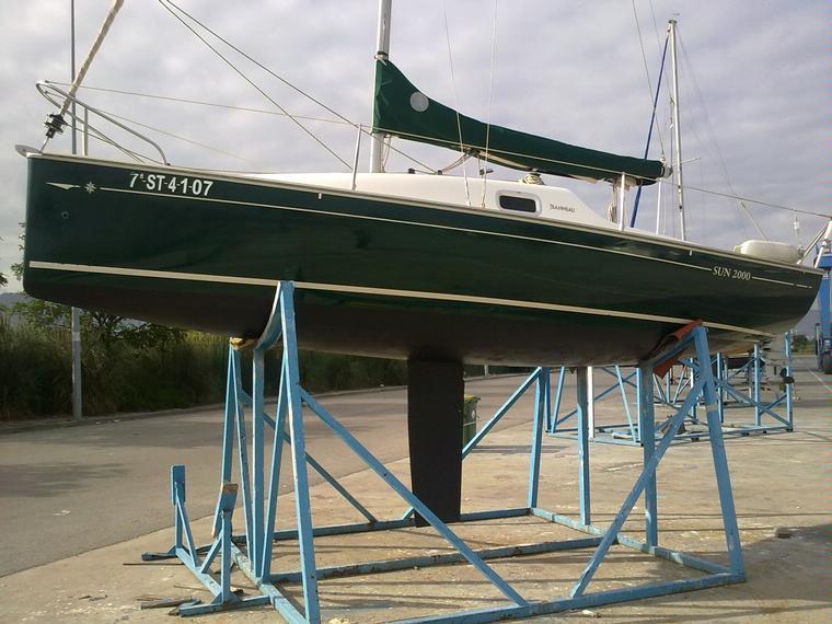 jeanneau sun 2000 en marina de santander voiliers d 39 occasion 70655. Black Bedroom Furniture Sets. Home Design Ideas