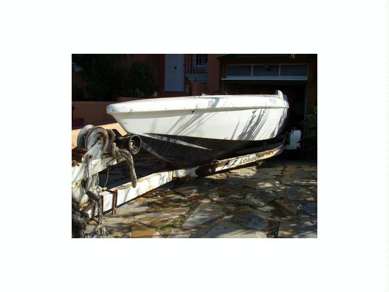 phantom 21 en cadix bateaux moteur d 39 occasion 67665. Black Bedroom Furniture Sets. Home Design Ideas