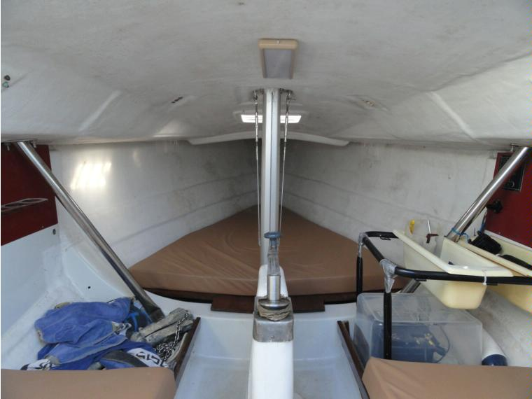 Beneteau first class 8 en madrid voiliers de croisi re for First class 8 interieur