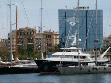 Marina port vell ports de plaisance en barcelone inautia - Port de plaisance barcelone ...